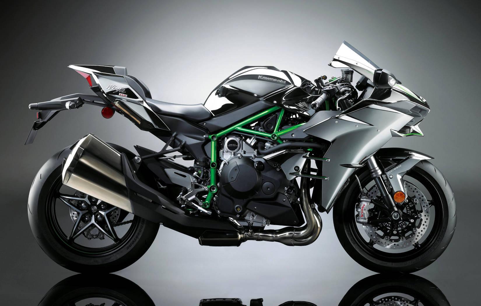 Kawasaki Ninja H2 Motorbike launched in India at Rs 29 lakh
