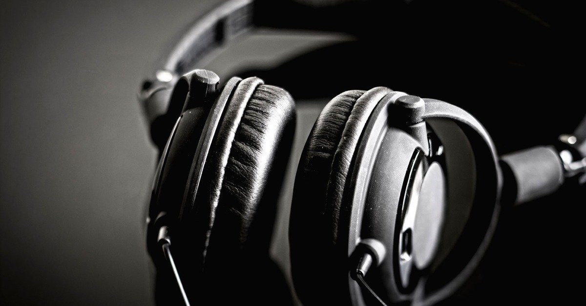 headphones surround sound