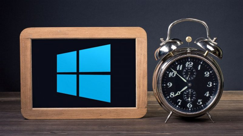 remove-clock-windows-10-taskbar