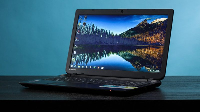 Amazon Republic Day Sale Deals and Discounts on laptops