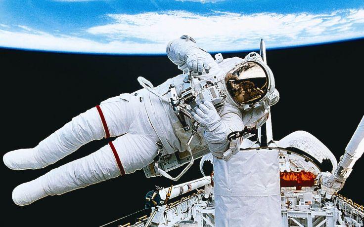 astronaut space walking