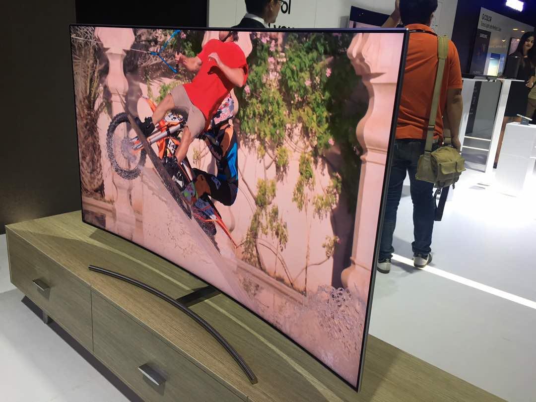Samsung QLED TVs 4