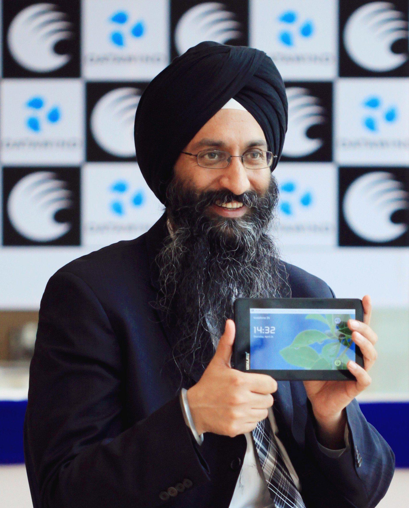 Suneet Singh Tuli President CEO DataWind Inc
