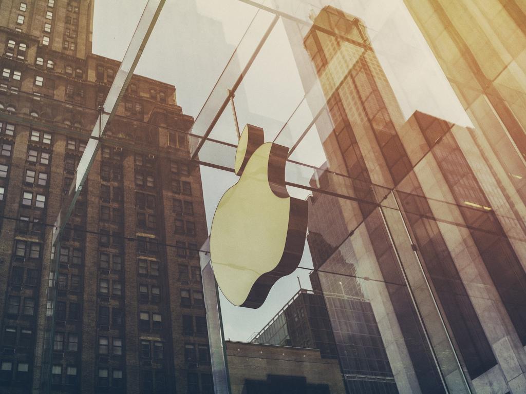 apple 1209003 1920 104