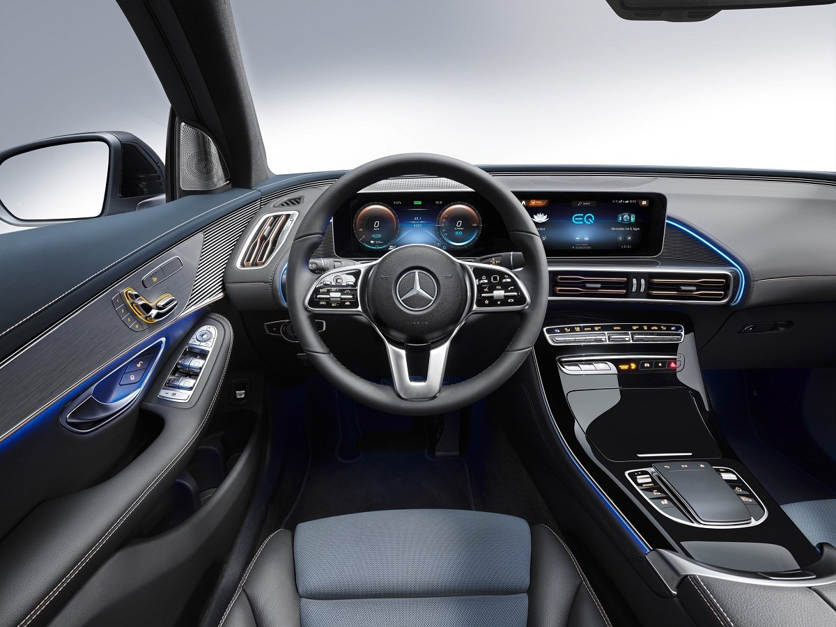 Mercedes Unveils Electric Car German assault on Tesla 3
