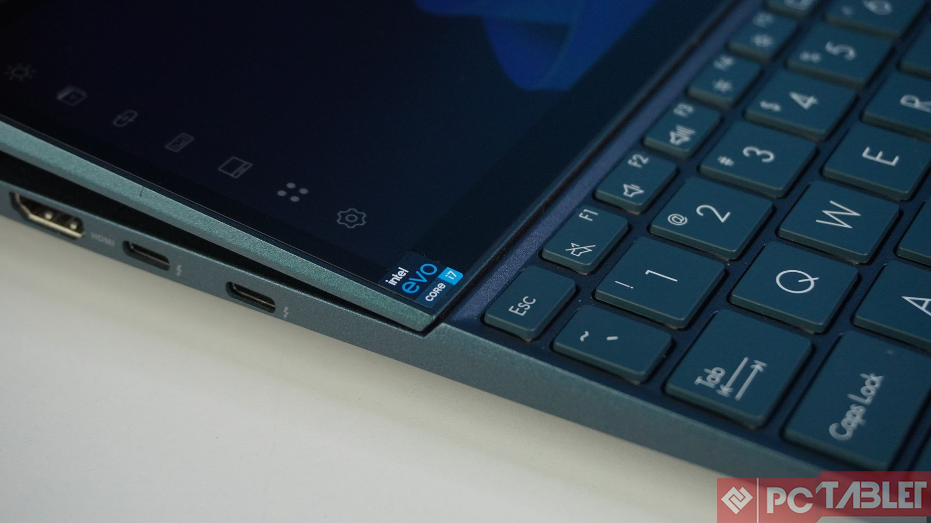 Asus ZenBook Duo 14 UX482E laptop Review 8